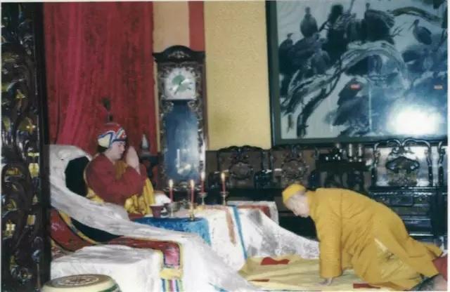 Disciple of H.H. Dorje Chang Buddha III – Venerable Dharma Teacher Qing Ding